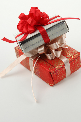 プレゼントはもらったほうがお得?渡したほうがお得?